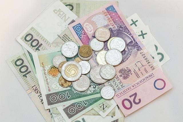 Monika – Odzyskane pieniądze